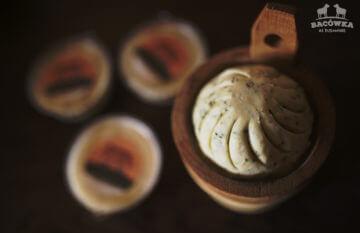 Bryndza owcze - naturalne produkty z Bacówki nad Bukowiną